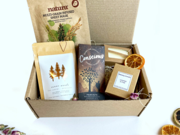 Feel Earthy Gift Set